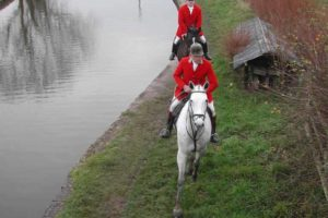 Cheshire Forest Hunt riders fall into canal